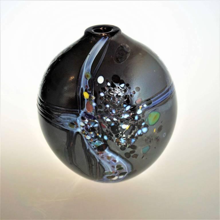 Shakspeare Glass - Medium Pebble Closed Black