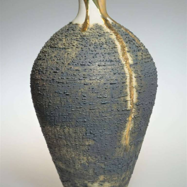 Textured Vase With Gold Lustre Small/Medium