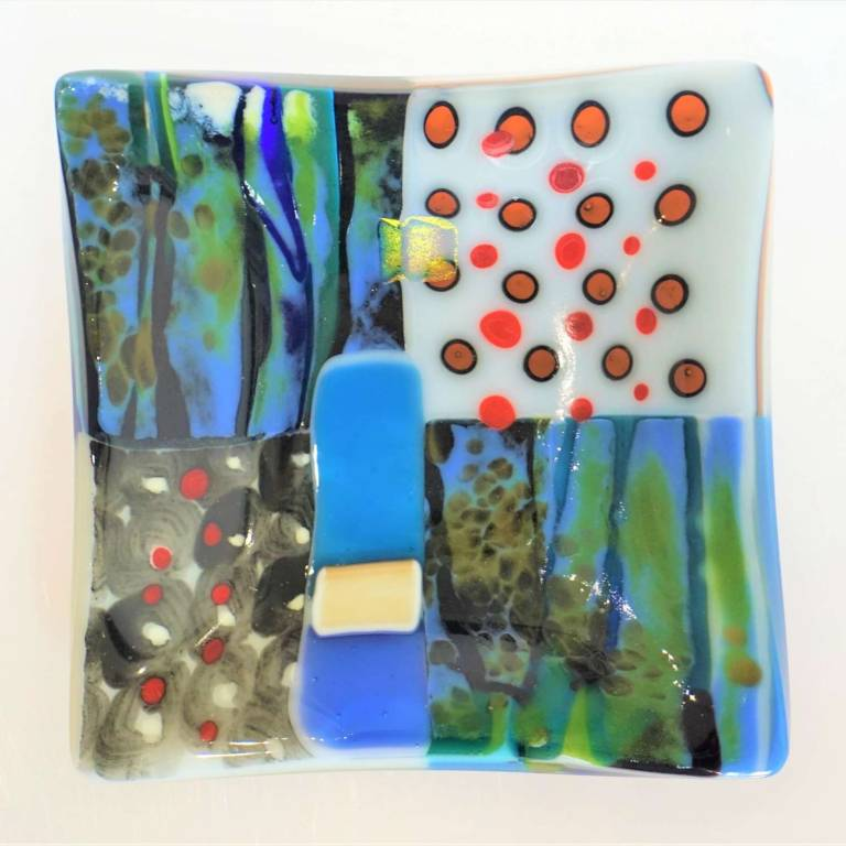 Kim Bramley - Forest Leaves Landscape Quarters Plate