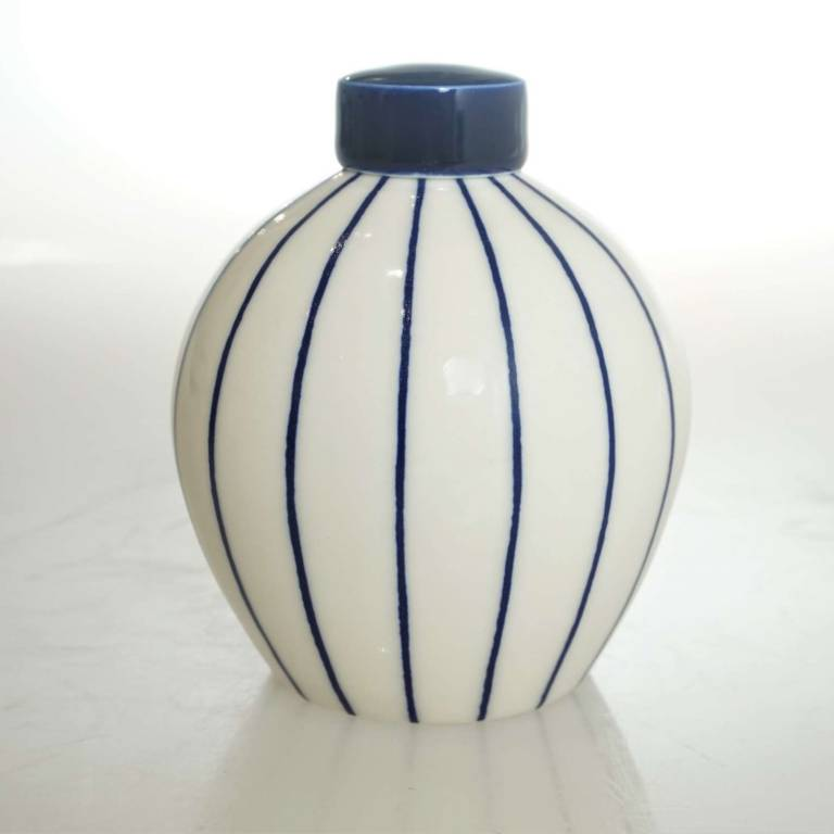 Rhian  Malin - Small Round Linear Ginger Jar