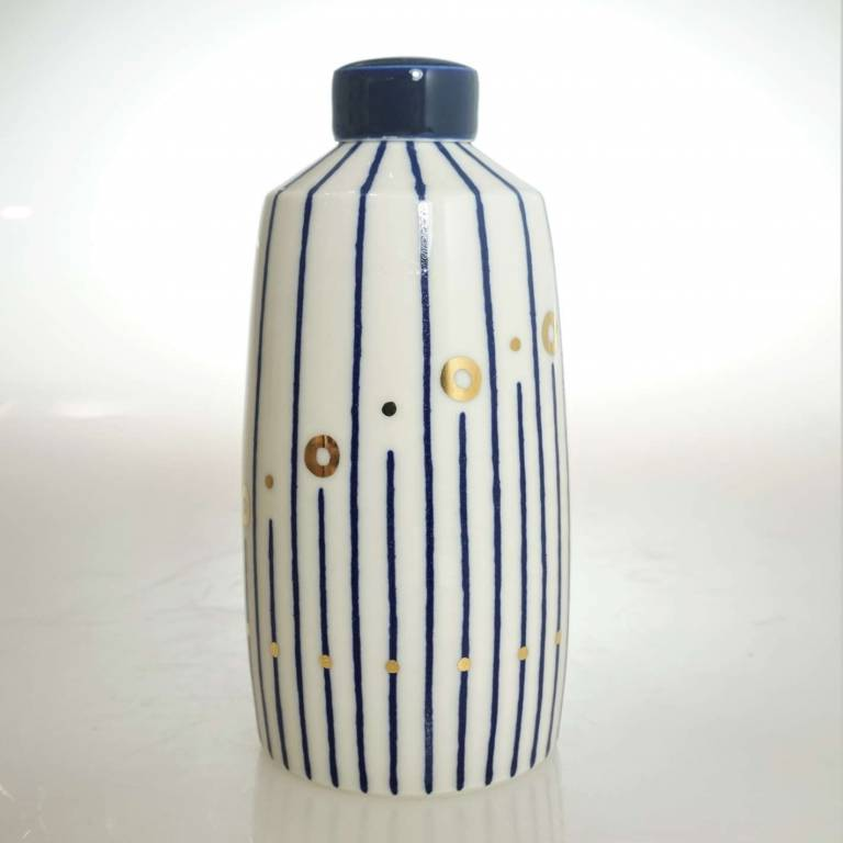 Medium Straight Twisted Ginger Jar With Gold