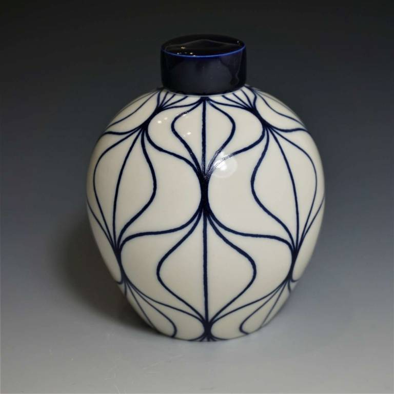 Rhian  Malin - Medium Round Hoi Ann Ginger Jar