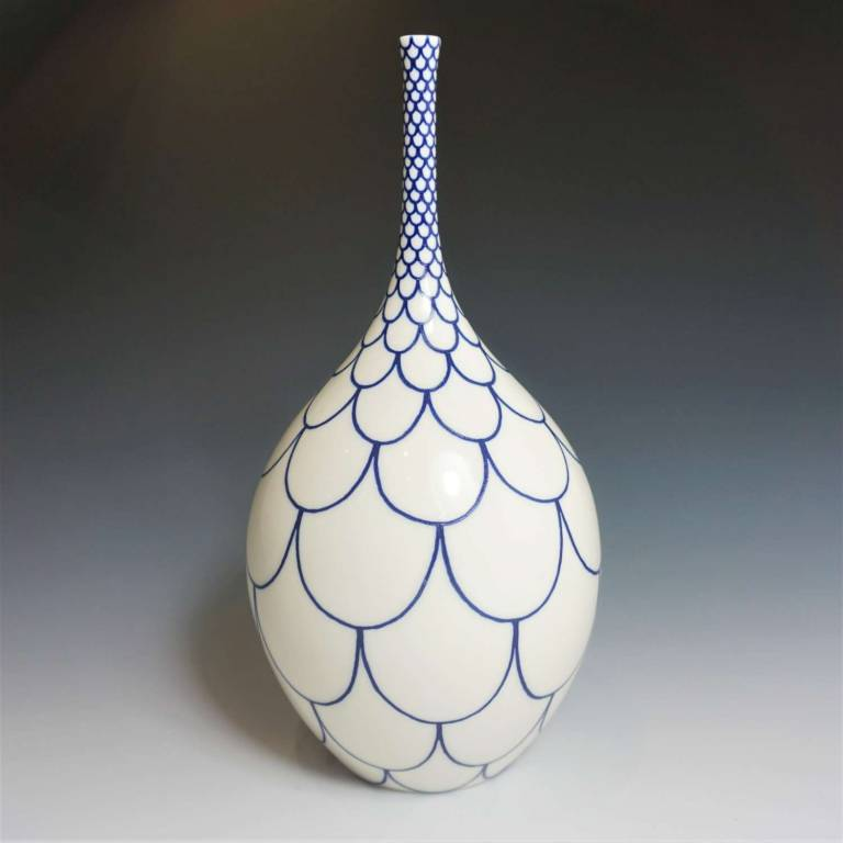 Rhian  Malin - Large Wide Scalloped Bottle