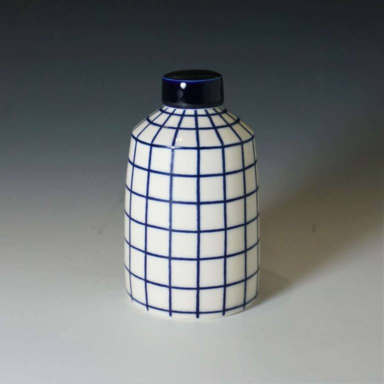 Small Straight Grid Lines Ginger Jar